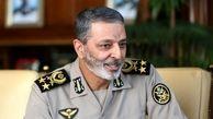 فرمانده کل ارتش:مشکلات مردم با انتخاب آگاهانه حل می شود