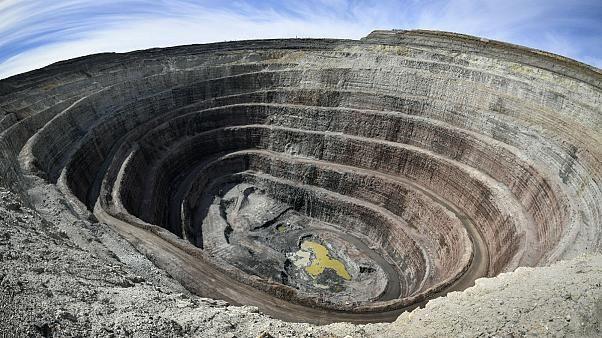 چه تعداد معدن فعال در کشور وجود دارد؟
