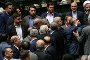 جنجال در جلسه رای اعتماد رزم حسینی!