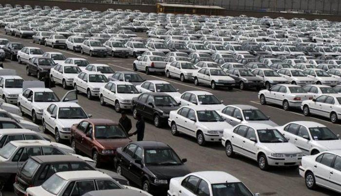 پیش بینی قیمت خودرو در دولت جدید / واردات آزاد میشود؟