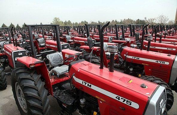 بررسی مشکلات کشاورزان در تهیه تراکتور