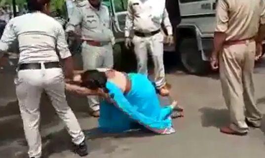 ضرب و شتم شدید زنی که ماسک نداشت / عکس