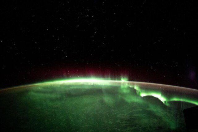 تصویر شفق قطبی بر فراز زمین