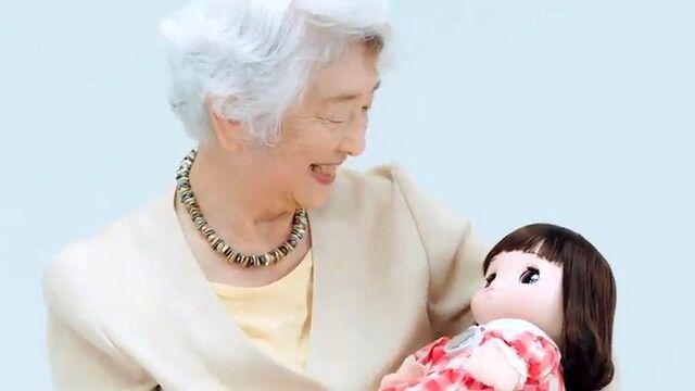 نوه رباتیک تنهایی سالمندان را پر میکند