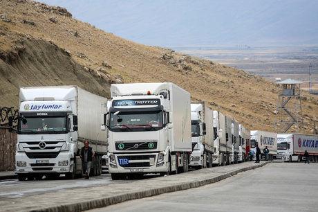 ۴ پیشنهاد برای جلوگیری از تجمع کامیونها در گمرک