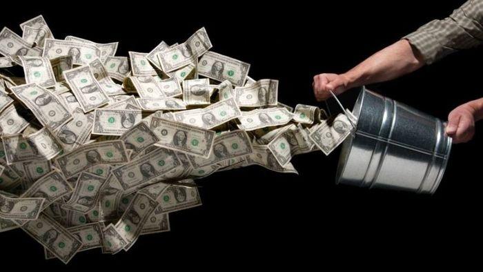 زنگ خطر برای خریداران دلار