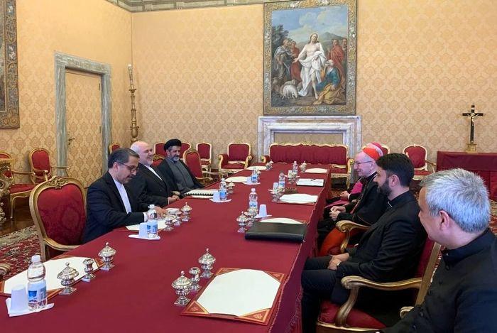 دیدار وزیر امور خارجه ایران با پاپ
