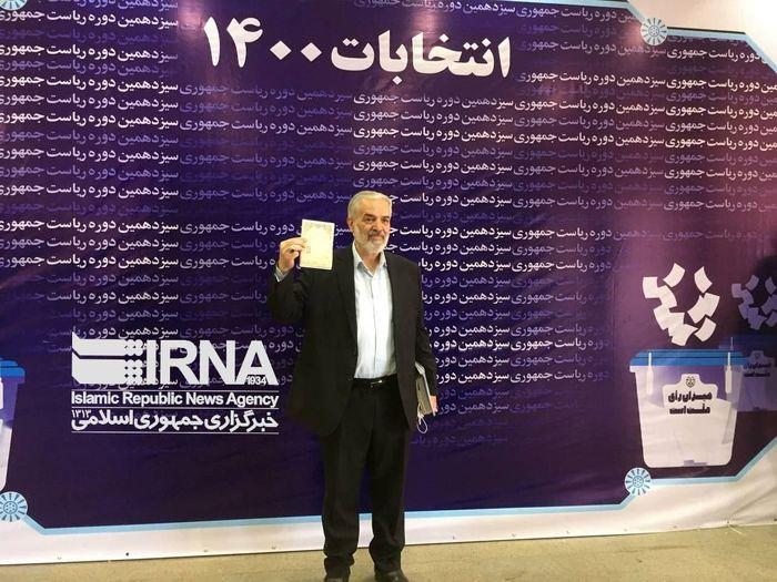 قدیری ابیانه هم داوطلب انتخابات شد + عکس