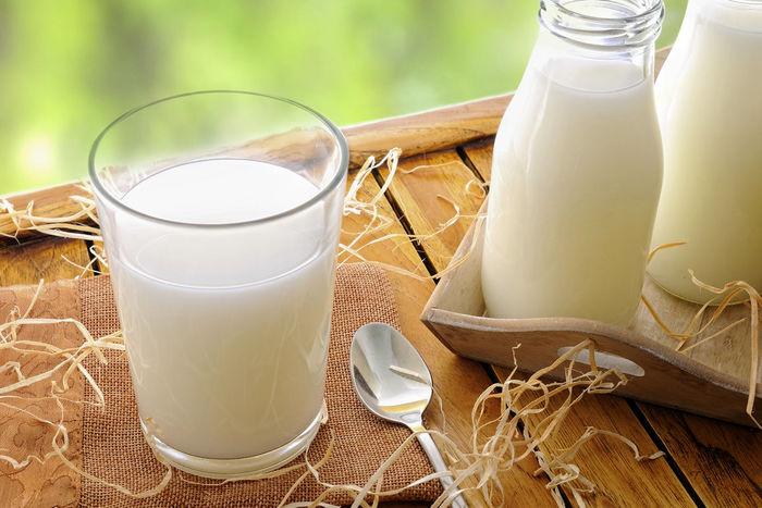 کودکان روزانه چند لیوان شیر باید بخورند؟