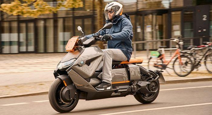 موتورسیکلت خاص ب ام و از راه رسید / قیمت ۲۸۰ میلیون تومان