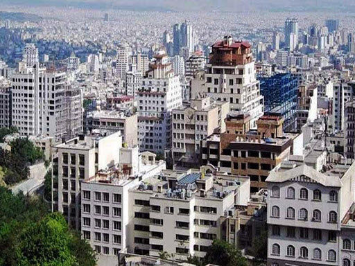 نیمی از ساختمان های تهران برج هستند