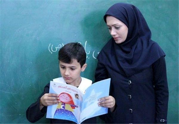 بار اصلی آموزش و پرورش بر دوش معلمان