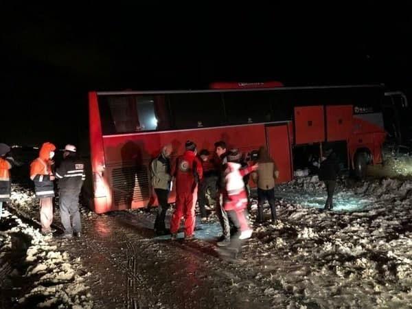 جزئیات واژگونی اتوبوس کارگران معدن در زاهدان
