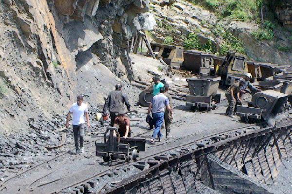 بیمهری با ثروتهای زیرزمینی ایران / کارآفرین در گرداب مشکلات افتاد