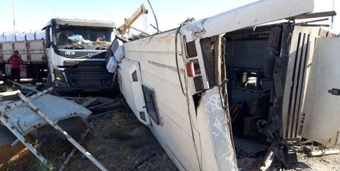 پیام تسلیت آموزش و پرورش در پی حادثه واژگونی اتوبوس سرباز معلمان