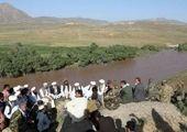 فیلم اجساد شهروندان افغان پرت شده از هواپیما