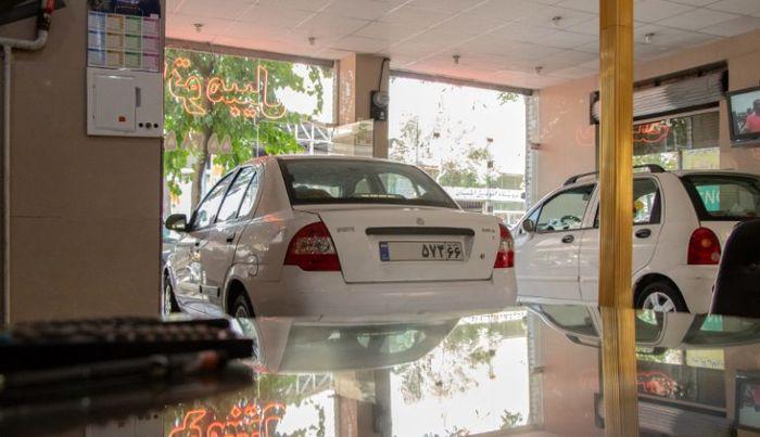 قیمت خودرو در بازار حبابی شده است!