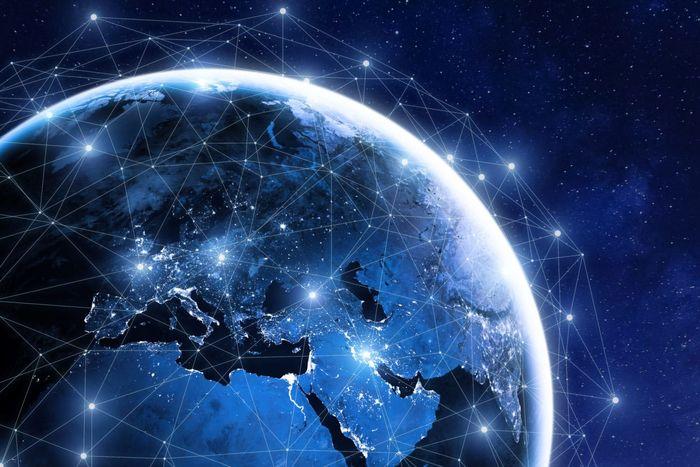 پخش قرآن از فضا با استفاده از فناوری ماهوارهای