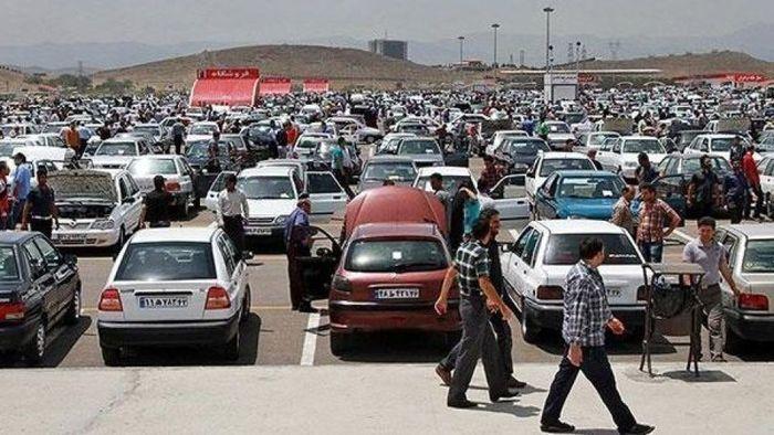 بازار خودرو سال آینده سر و سامان می گیرد؟