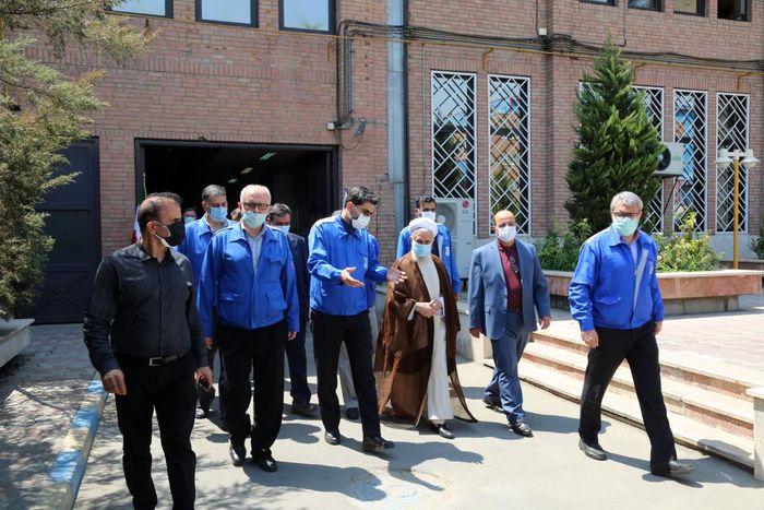 بازدید امام جمعه موقت تهران از دستاوردهای ایرانخودرو