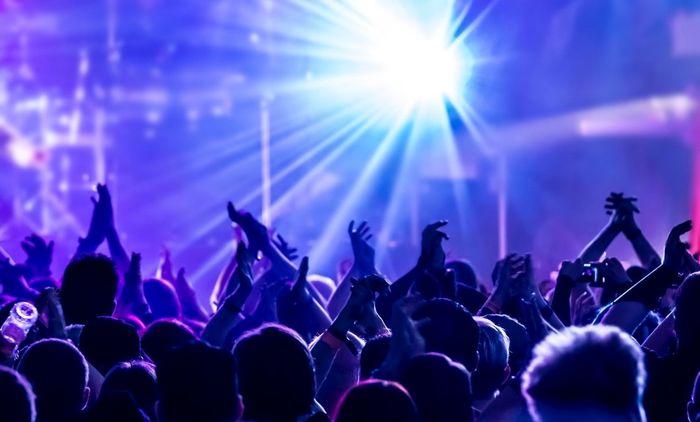 آغاز بلیت فروشی کنسرتها با قیمتهای فضایی