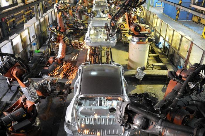 کاهش بی سابقه تولید خودرو در انگلیس